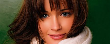 Nina Dobrev, novia de Somerhalder en la vida real ,favorita para 50 sombras !